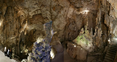 Cuevas_canelobre1.jpg