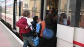 vista previa del artículo Los discapacitados de Valencia denuncian que el acceso al cercanías no está acondicionado para ellos
