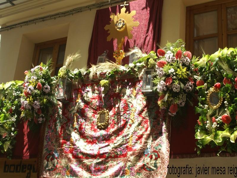 foto6javiermesareig Valencia engalana sus balcones por la Festividad del Corpus