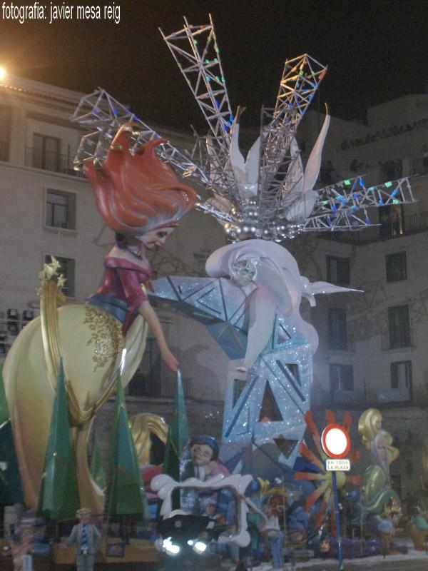 hoguera3javiermesareig Cremá de las Hogueras de Alicante 2009