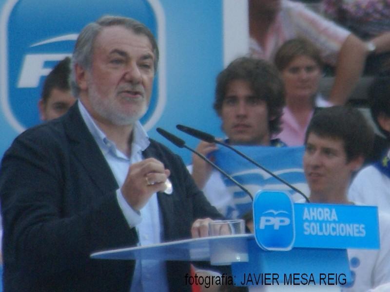 pp1javiermesareig2 La Marea Azul arrasa en la plaza de Toros de Valencia con la visita de Mariano Rajoy a Valencia