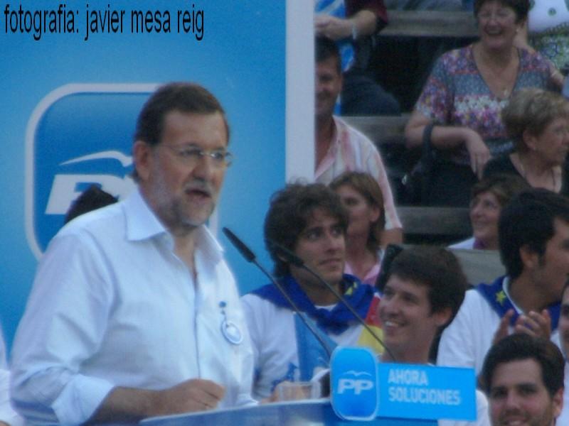 pp1javiermesareig3 La Marea Azul arrasa en la plaza de Toros de Valencia con la visita de Mariano Rajoy a Valencia