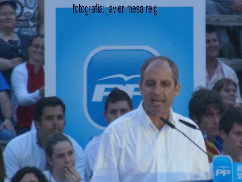 pp1javiermesareig4 La Marea Azul arrasa en la plaza de Toros de Valencia con la visita de Mariano Rajoy a Valencia
