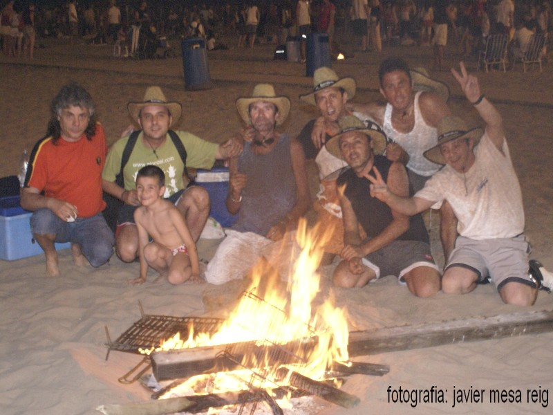 sanjuan1javiermesareig1 Valencia celebró una impresionante Noche de San Juan en la Playa de la Malvarrosa