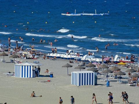 Se pone en marcha el plan de vigilancia de playas 2013 - Hoteles en la playa de la malvarrosa ...